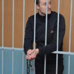 """Четки - у каждого из подсудимых. Фото: Александр Сударев, """"Вечерний Краснотурьинск"""""""